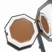 Fenty Beauty Butta Biscuit Cream Bronzer Review - Is it pale girl approved?